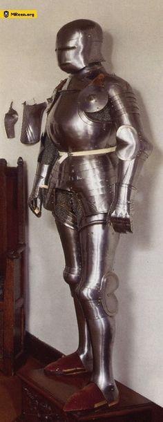 The armour of Schott Von Hellingen circa 1500