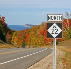 The 11 Best Fall Road Trips From Detroit - Michigan Tourist Destinations