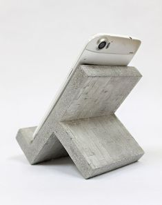 Paper For Arts And Crafts Product Concrete Cement, Concrete Furniture, Concrete Crafts, Concrete Projects, Concrete Design, Wood Shop Projects, Small Wood Projects, Support Ipad, Support Telephone