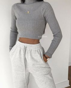 Source by cute outfits casual Teen Fashion Outfits, Mode Outfits, Retro Outfits, Look Fashion, Vintage Outfits, Trendy Teen Fashion, Swag Fashion, Tumblr Outfits, Fashion Pants