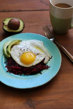 Beet Hash Browns | TheRoastedRoot.net #breakfast #brunch #superfood #healthy #paleo