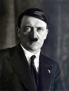 Later groeide hij uit tot deze man. Hij ging weg van zijn ouders en Oosterrijk en ging op 1913 naar Duitsland (München), om daar te werken.