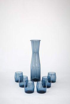 TIMO SARPANEVA (1926-2006) Set of six glasses and one pitcher, 1950 glass, h 29 cm (pitcher), h 10 c — Design: Möbel, Gebrauchsgegenstände, Bauhaus, Werkbund, Corbusier, Eames, Wagenfeld