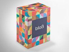Der etwas andere Weinkarton im Design als auch beim Druckverfahren: CyclePrint ermöglicht nachhaltigen Druck und- Farbgestaltung, ohne auf die Vorzüge des Offsetdrucks zu verzichten und überzeugt im Druckergebnis sowie in der Haptik. • #packit #offset #packaging #wellpappe #nachhaltig #plasticfree #keinplastik #klimaneutral #recycling #verpackungsdesign #weinverpackung #print #nachhaltigerdruck Mystery Box, Cube, Recycling, Toys, Projects, Printing Process, Packaging Design, Paper Board, Creative