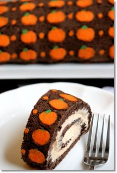 "Chocolate ""Pumpkin"" Swiss Roll Cake Pinterest: @annahpyra"