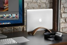 BookArc design pour votre Macbook - #Design - Visit the website to see all photos http://www.arkko.fr/bookarc-design-pour-votre-macbook/