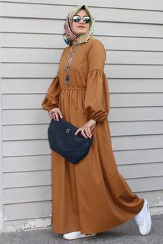 ✔ Discover the latest hijab fashion, hijab styles hijab tutorial. Modest Fashion Hijab, Modern Hijab Fashion, Muslim Women Fashion, Hijab Fashion Inspiration, Hijab Style Dress, African Fashion Dresses, Fashion Outfits, Abaya Style, Outfit Essentials