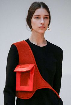 Céline Fall/Winter 2015 via Celine, Fashion Bags, Fashion Accessories, Womens Fashion, Sacs Design, Fashion Details, Fashion Design, Cute Outfits For School, Fabric Manipulation