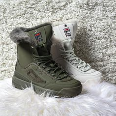 Cozy up in the new Fila Disruptor Shearling Boot!🎄🎁🎊 Available In-Stores now. Pretty Shoes, Cute Shoes, Me Too Shoes, High Heel Boots, Shoe Boots, Sneakers Fashion, Fashion Shoes, Fila Disruptors, Shoe Wardrobe