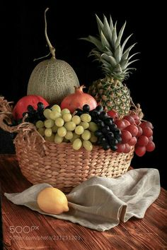 Multidisciplinarity contains a variety of disciplines similarly to a fruit bowl. Healthy Fruits And Vegetables, Fruit And Veg, Fresh Fruit, Bowl Of Fruit, Vegetable Pictures, Pineapple Wallpaper, Fruit Picture, Fruit Photography, Fruit Painting