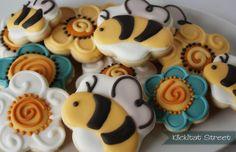 bee sugar cookies using flower cookie cutters