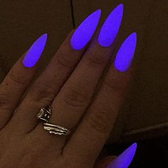Glow In The Dark Neon Nail Polish - The most beautiful nail designs Neon Acrylic Nails, Neon Nail Polish, Nail Polish Colors, Neon Purple Nails, Bright Nails Neon, Swag Nails, My Nails, Grunge Nails, Nagellack Design