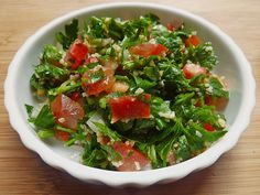 Petersiliensalat auf arabisch Parsley salad in Arabic, a very nice recipe from the category vegetarian. New Recipes, Salad Recipes, Healthy Recipes, Parsley Salad, Vegan Comfort Food, Vegan Food, Arabic Food, Food Inspiration, Food And Drink