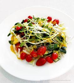 Vegetarianos e Veganos: Salada de Sementes de Girassol Germinadas com Pepino e Tomate Cereja I Sunflower Seeds Sprouted, Cherry Tomatoes and Cucumber Salad
