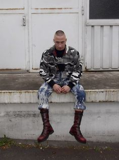 Fetish blog: leather, rubber, jeans, skinhead gear
