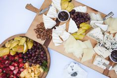 Local cheeses & fresh fruit, a delicious hors d'oeuvre combination! Ravishing Radish Catering | Kate Price Photography
