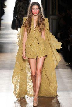 Spring 2015 RTW : Paris Fashion Week : Vivienne Westwood