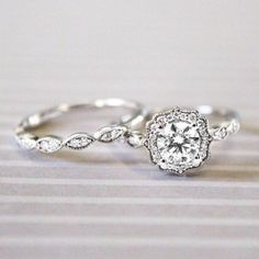 Breathtaking Non-Traditional Silver Art Deco Style Engagement Ring. // See more: 18 Unique Vintage Engagement Rings that Will Make You Want to Go Back in Time. // mysweetengagement.com/unique-vintage-engagement-rings // #UniqueEngagementRing #EngagementRing #VintageEngagementRing #VintageWedding #ArtDeco