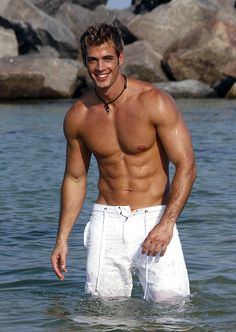 William Levy, why am I just now knowing who you are? <3