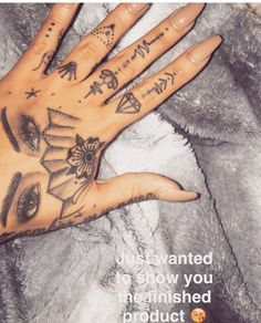 I love these finger tattoos Girly Tattoos, Dope Tattoos, Dream Tattoos, Pretty Tattoos, Mini Tattoos, Beautiful Tattoos, Body Art Tattoos, Small Tattoos, Sleeve Tattoos