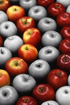 Apples Colour splash...Granny Smith grow up without a sun...so pale and tasteless poore thing :(
