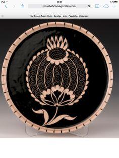 Çini Turkish Tiles, Arabic Art, Tile Murals, Sgraffito, Ceramic Painting, Clay Art, Art And Architecture, Traditional Art, Ceramic Pottery