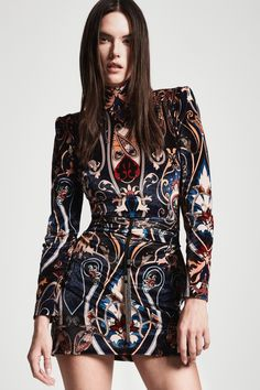 Dundas Fall 2019 Ready-to-Wear Fashion Show - Vogue Modest Dresses, Pretty Dresses, Short Dresses, Modest Clothing, Vogue Russia, Trends, Fashion Show Collection, Looks Style, Mannequins
