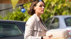 Doctor Foster - Episode 1 - Dr Gemma Foster has her life torn apart when she investigates her husband's secrets. The Fosters, Hollywood Songs, Dr Foster, O Film, Suranne Jones, Gentleman Jack, Bbc Drama, Great British, British Actors