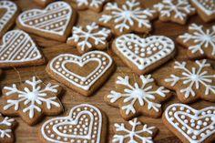 """Képtalálat a következőre: """"gingerbread christmas"""" Gingerbread Ornaments, Gingerbread Decorations, Gingerbread Cookies, Christmas Decorations Uk, Heart Decorations, Christmas Ideas, Christmas Hearts, Christmas Cookies, Christmas Ornaments"""