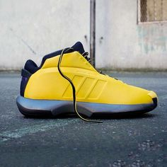 new concept f564f 43f4e  hypefeet  Throwback to one of  kobebryant s more iconic silhouettes the  adidas Kobe Crazy