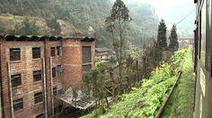 Window view of Bagou village shibanxi railway 車窓~芭石鉄道 芭溝鎮