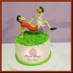 Pasta Diyarı Birthday Cake, Pasta, Rose, Desserts, Tailgate Desserts, Pink, Deserts, Birthday Cakes, Postres