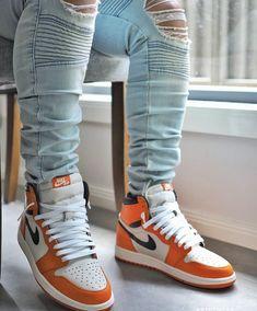 Men's High Top Sneakers, Best Sneakers, Sneakers Fashion, Shoes Sneakers, Nike Air Shoes, Air Jordan Shoes, Jordans Outfit For Men, Zapatillas Jordan Retro, Tenis Casual