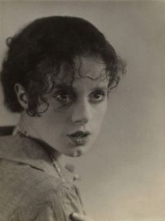 Elsa Lanchester - beautiful picture of the actress I'd only ever seen as the lightning-bolt haired 'Bride of Frankenstein' before.