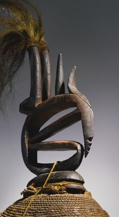 Bamana Chi Wara (Abstract) Headdress, Mali http://www.imodara.com/post/96551902109/mali-bamana-chi-wara-antelope-headdress