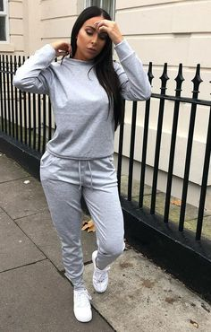 Casual Sporty Outfits, Relaxed Outfit, Cute Outfits, Look Fashion, Fashion Outfits, Loungewear Set, Lounge Wear, Ideias Fashion, Winter Outfits