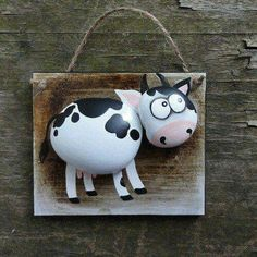 Cow painted rocks on a frame Pebble Painting, Pebble Art, Stone Painting, Rock Painting, Stone Crafts, Rock Crafts, Arts And Crafts, Caillou Roche, Art Rupestre