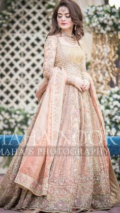 indian muslim wedding dresses with hijab Beautiful Pakistani Dresses, Pakistani Formal Dresses, Pakistani Wedding Outfits, Pakistani Wedding Dresses, Pakistani Dress Design, Asian Bridal Dresses, Wedding Dresses For Girls, Bridal Outfits, Pakistani Bridal Hairstyles