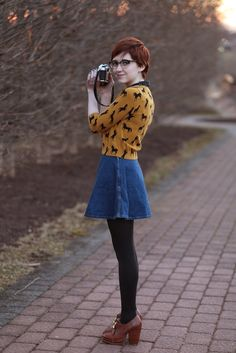 The Clothes Horse: outfits Hipster Outfits, Mode Outfits, Fall Outfits, Fashion Outfits, Modest Fashion, Summer Outfits, Zooey Deschanel, Denim Skirt Outfits, Denim Skirts
