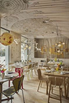 Mamá Campo> Restaurant and organic products store. Trafalgar Bilbao Organic food and restaurant in Madrid Bio Design, Cafe Design, Cafe Bar, Commercial Design, Commercial Interiors, Restaurant Bio, Rustic Restaurant, Organic Restaurant, Madrid Restaurants