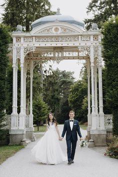 Traumhafte Hochzeit in Wien - Hermes Villa Hermes, Dream Wedding, Villa, Wedding Dresses, Instagram, Wedding Photography, Nice Asses, Bride Dresses, Bridal Gowns