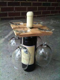 Bonito regalo o para llevar las copas. Muy fácil de hacer y personalizar diseño.