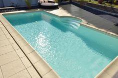 Gewölbte Beckenrandsteine Solum mit Terrassenplatten Outdoor Living, Outdoor Decor, Pool Ideas, Home Decor, Stairway, Stones, Vacation, Ad Home, Outdoor Life