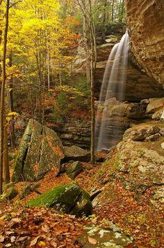 Landscape Photography Tips: Anglin Falls Berea Kentucky by Ulrich Burkhalter Kentucky Travel Destinations Nebraska, Oklahoma, Ohio, Best Places To Travel, Places To See, Wyoming, Berea Kentucky, Puerto Rico, Nature Verte