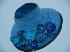 Cappello in sfumature di blu