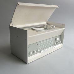 Braun console stereo.