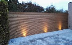 Tuinwand Free Willy® in hout - W. Ceder Hout Wood Bois Gevelbekleding Bardage Cladding Modern fence Design Architecture Nature OutdoorWoodConcepts Free Willy® The Original Registered Design W. Home Garden Design, Home And Garden, Modern Fence Design, Fence Screening, Backyard, Patio, Outdoor Living, Outdoor Decor, Pergola Designs