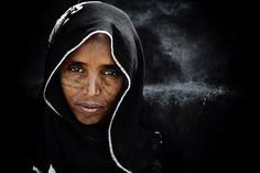 Afar woman - An Afar lady in the Danakil desert region of Ethiopia. This was a rare opportunity to capture a woman of the tribe People Of The World, Countries Of The World, Best Portraits, Photo Competition, Stars At Night, Top Photo, Wanderlust Travel, First World, Travel Photos