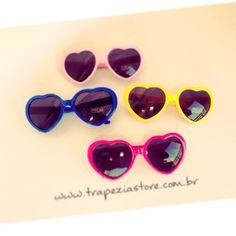 c91b3709a9ef5 Estes lindos óculos pronta entrega em nossa loja online    www.trapeziastore.com.br  heartglass  oculoscoracao  trapeziaretro  trapezia   pinupglass ...