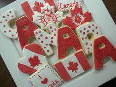 Cookies for Canada day! Canada Day 150, Canada Day Crafts, Canadian Food, Canadian Recipes, Canada Day Party, Canada Hockey, Cookie Designs, Cookie Ideas, Summer Cookies